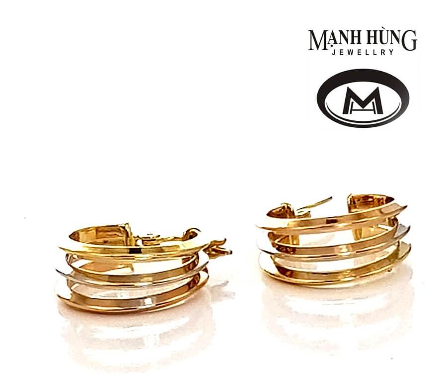 đôi hoa tai với thiết kế đơn giản nhưng sang trọng và quý phái sẽ là món quà vô cùng thích hợp dành tặng mẹ