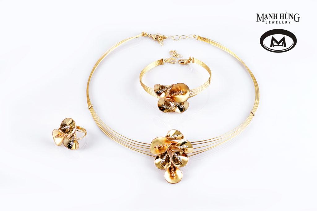 Bộ trang sức Vàng Ý sự lựa chọn hoàn hảo cho cô dâu trong ngày cưới