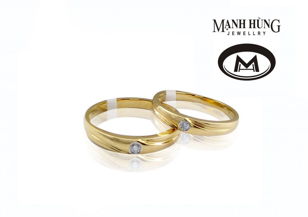 Kiểu nhẫn tròn đơn giản với duy nhất một viên kim cương là lựa chọn hàng đầu