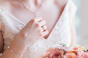 cách chọn trang sức cưới